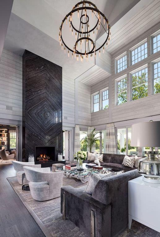Mansão por dentro com decoração moderna