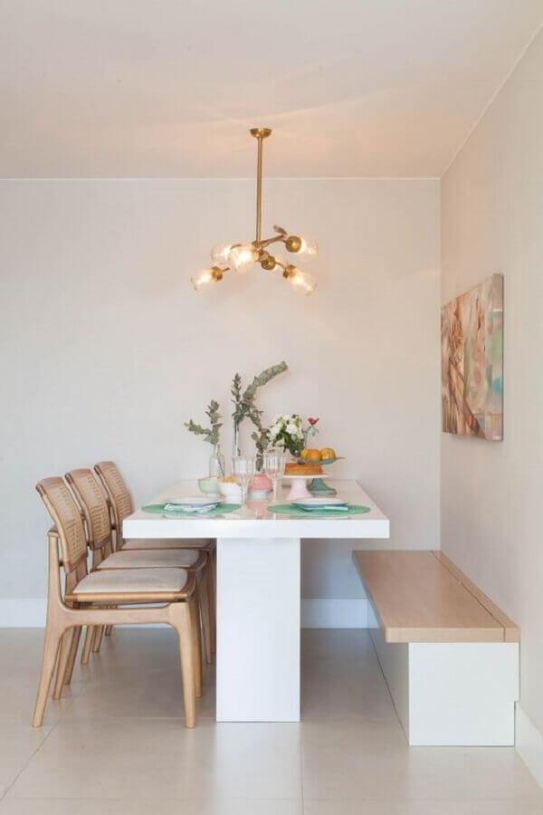 mesa de jantar com banco e cadeiras para decoração minimalista Foto MaraRamos Arquitetura e Design