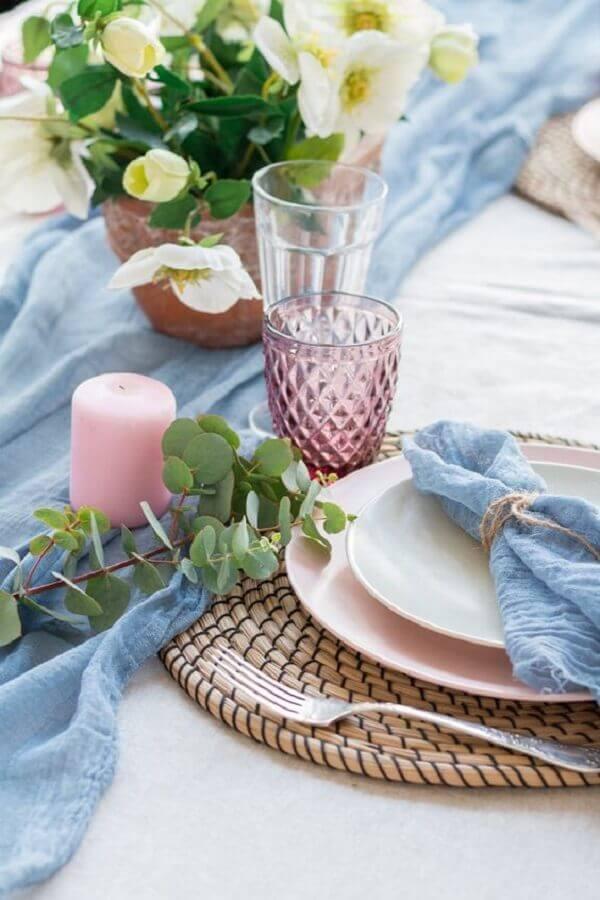 mesa decorada azul e rosa para festa bodas de cristal Foto Style Me Pretty
