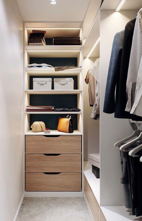 Gaveteiro moderno no closet em L