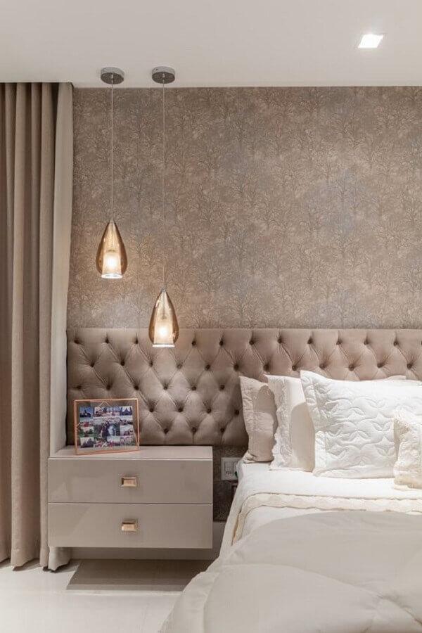 papel de parede para quarto de casal clássico decorado em tons de bege Foto We Heart It