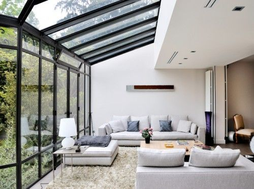 Pergolado de vidro na sala de estar