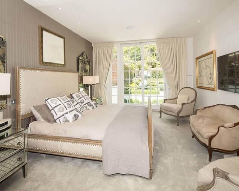 quarto cor pérola decorado com móveis com design clássico Foto Ideias Decor