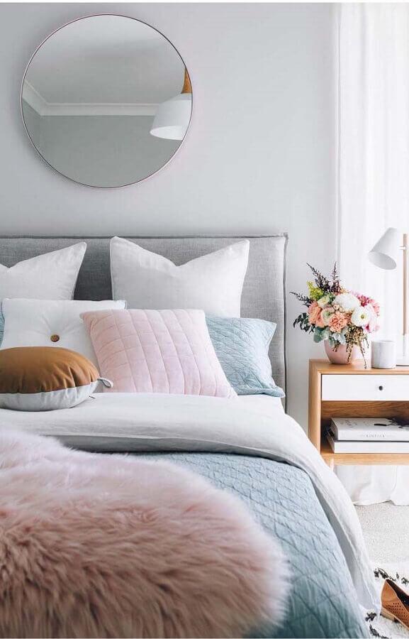 quarto feminino decorado com roupa de cama azul pastel Foto Home Fashion Trend