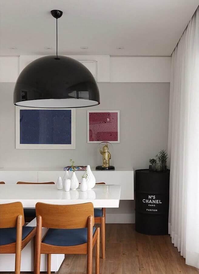 sala de jantar moderna com tambor decorativo chanel preto Foto Casa 2 Arquitetos