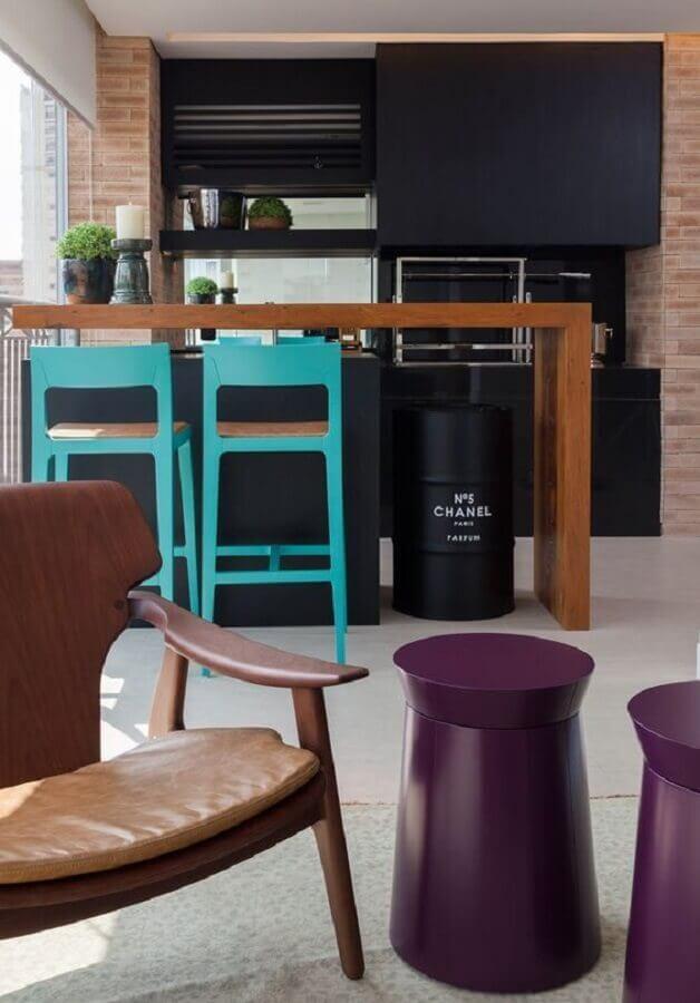 tambor decorativo chanel preto para varanda gourmet planejada Foto Arquitrecos