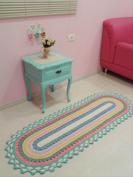 Tapete simples e colorido de crochê para iniciantes