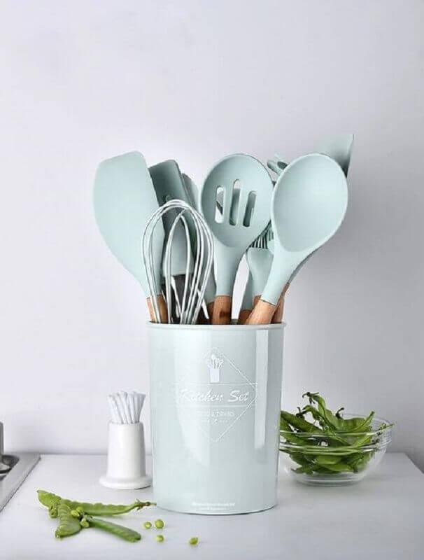 utensílios de cozinha em tons de azul pastel Foto Pinterest