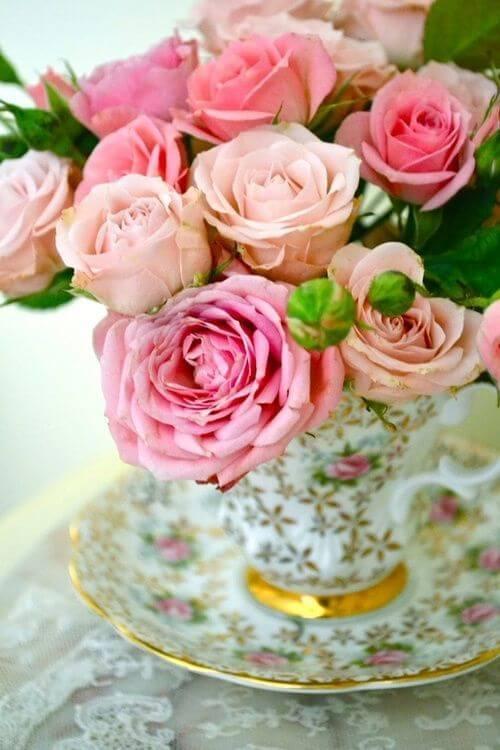 Decoração com rosa em tons claros