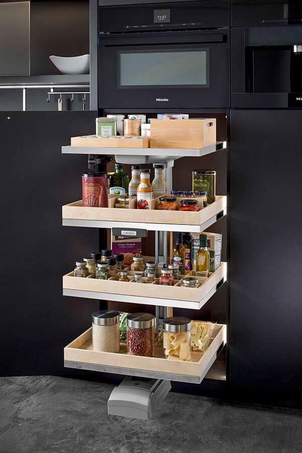 A altura das prateleiras para despensa de cozinha devem trazem praticidade ao dia a dia