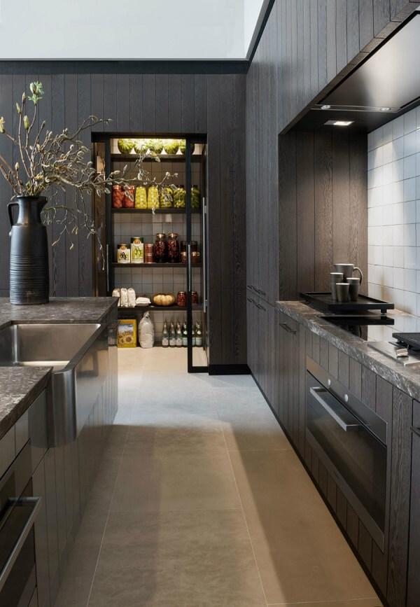 A despensa da cozinha se destaca na decoração