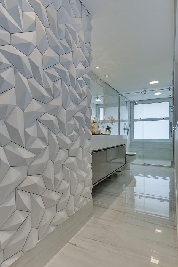 As formas do revestimento 3D para banheiro trazem movimento ao espaço