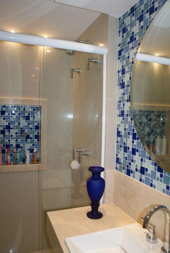 Banheiro decorado com pastilhas adesivas