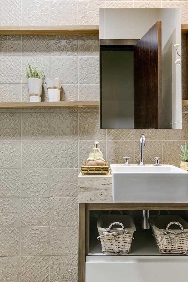 Combinação harmoniosa e delicada do revestimento 3D para banheiro