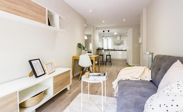 Priorize ambientes integrados na hora de decorar um apartamento pequeno