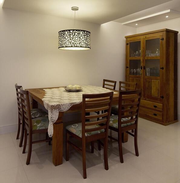 Cristaleira de madeira de demolição robusta
