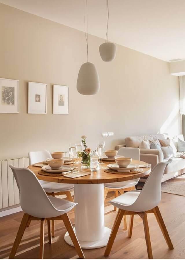 Decoração em cores neutras com mesa de jantar 4 lugares redonda Foto Pinterest