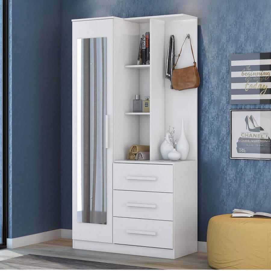 Modelo de armário multiuso com espelho e gavetas Foto MadeiraMadeira