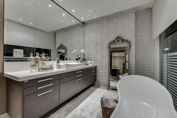 O revestimento 3D para banheiro pode ser encontrado em diferentes formatos