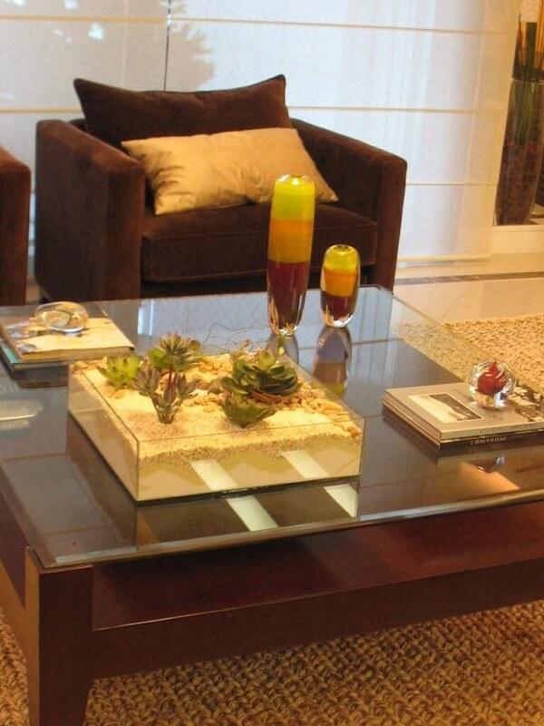 O terrário de suculentas dá um toque de modernidade para a decoração