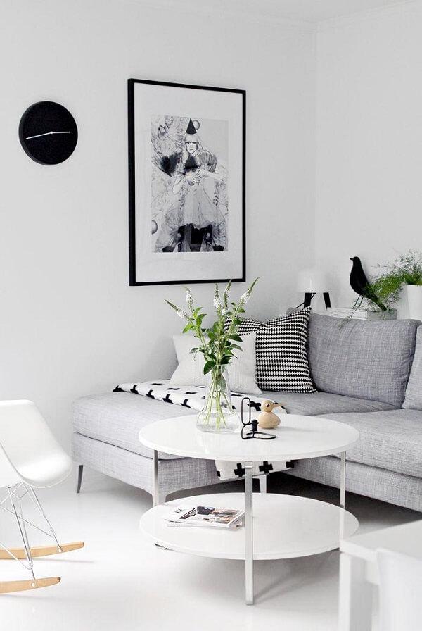 Para uma decoração minimalista combine seu sofá de canto cinza com tons de branco