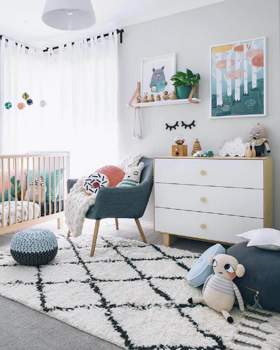 Gray baby room decorated with wooden furniture Foto Futurist Architecture