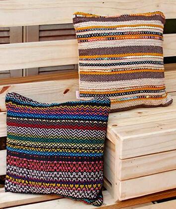 Almofadas coloridas com estampas africanas étnicas