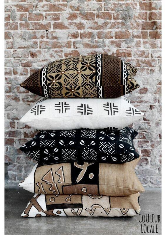 Conjunto de almofadas com estampas africanas para decoração de sala de estar
