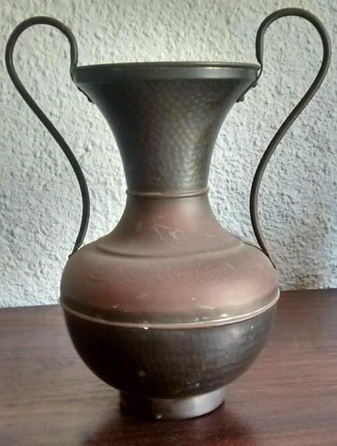 ânfora de cobre antigo