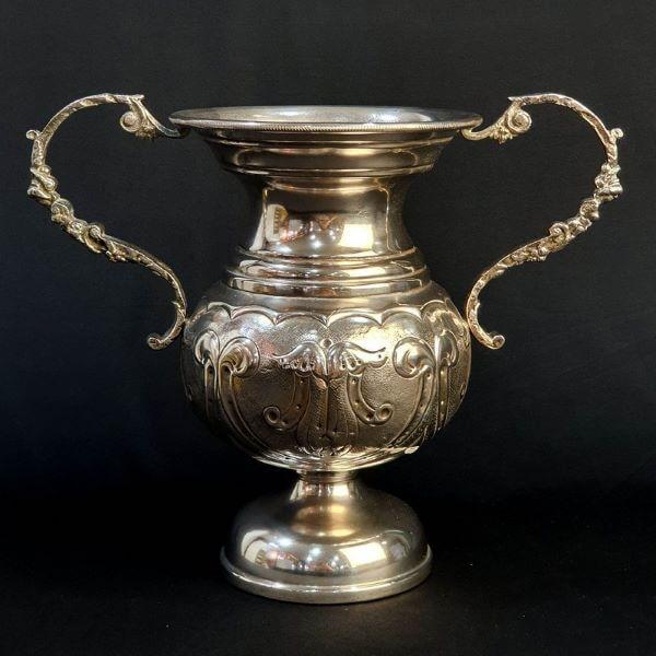 ânfora de prata para decorações sofisticadas