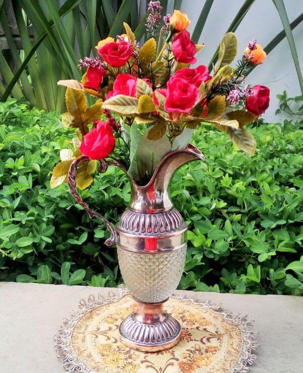 ânfora de metal para flores