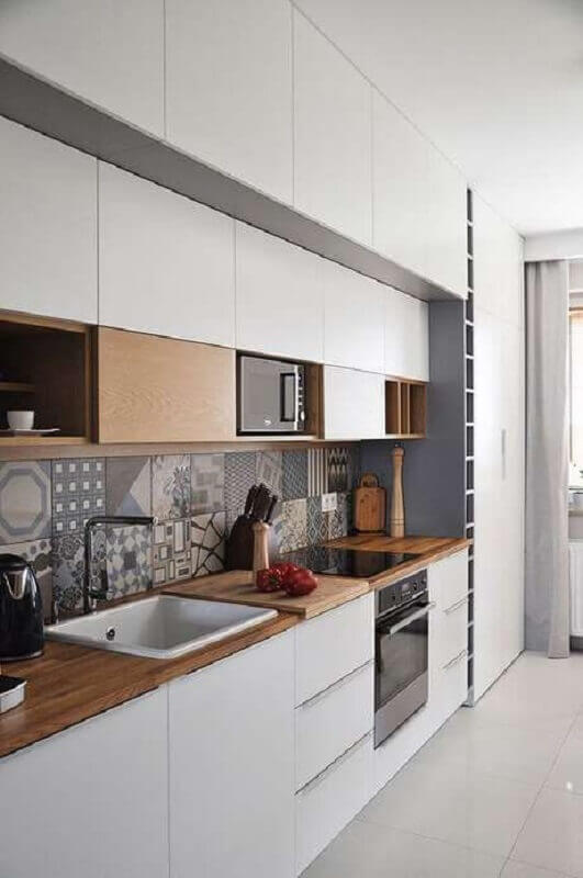 armário de cozinha branco com madeira planejado Foto Pinterest