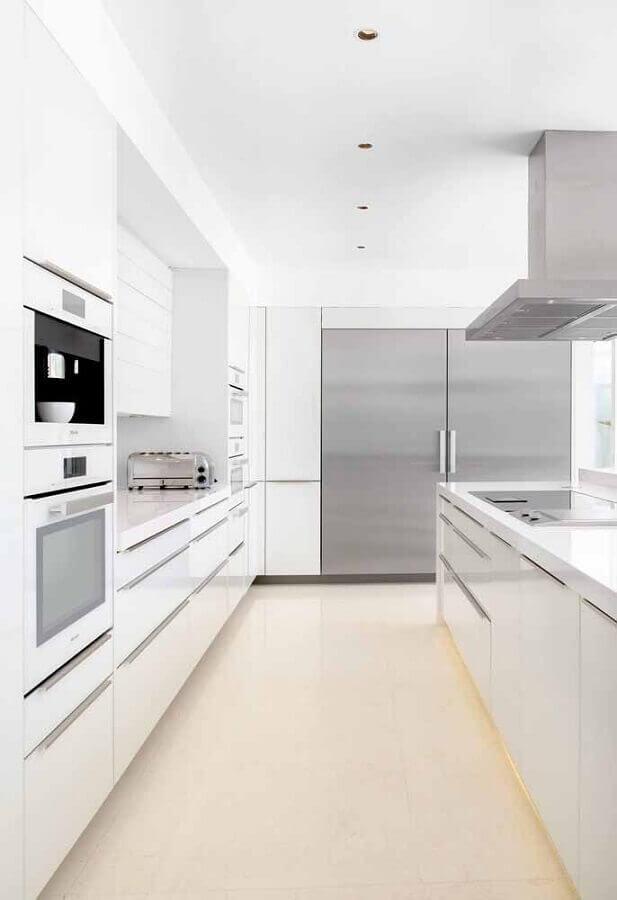 armário de cozinha completo branco com ilha Foto Home Fashion Trend