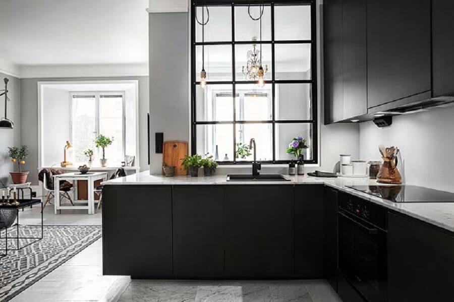 armário de cozinha preto fosco em L Foto The Architects Diary