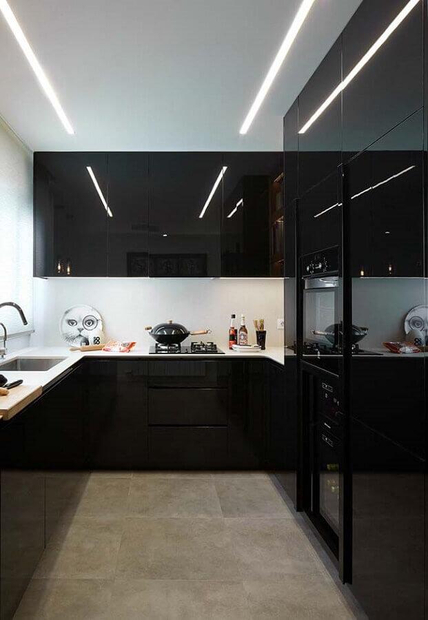 armario de cozinha preto com acabamento brilhoso Foto Pinterest
