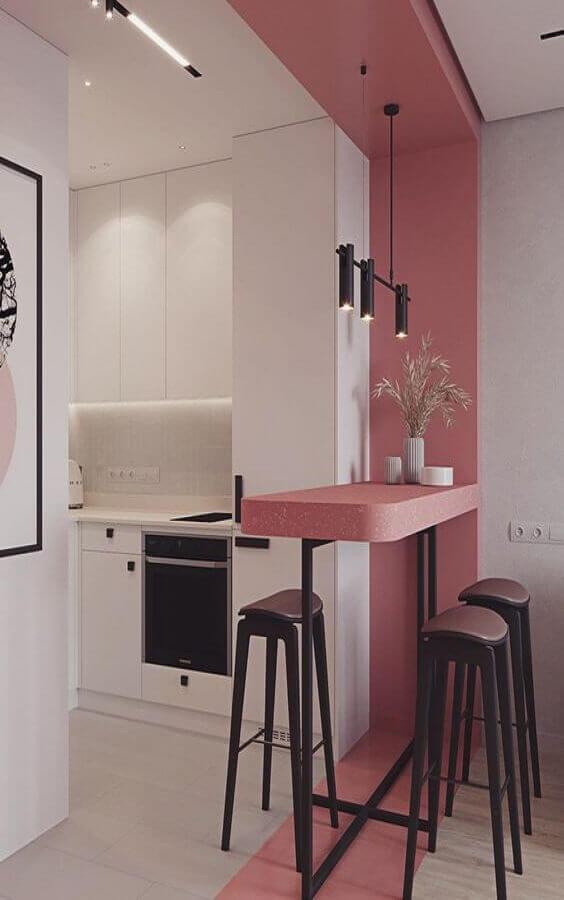 bancada cor de rosa para cozinha branca pequena Foto Pinterest
