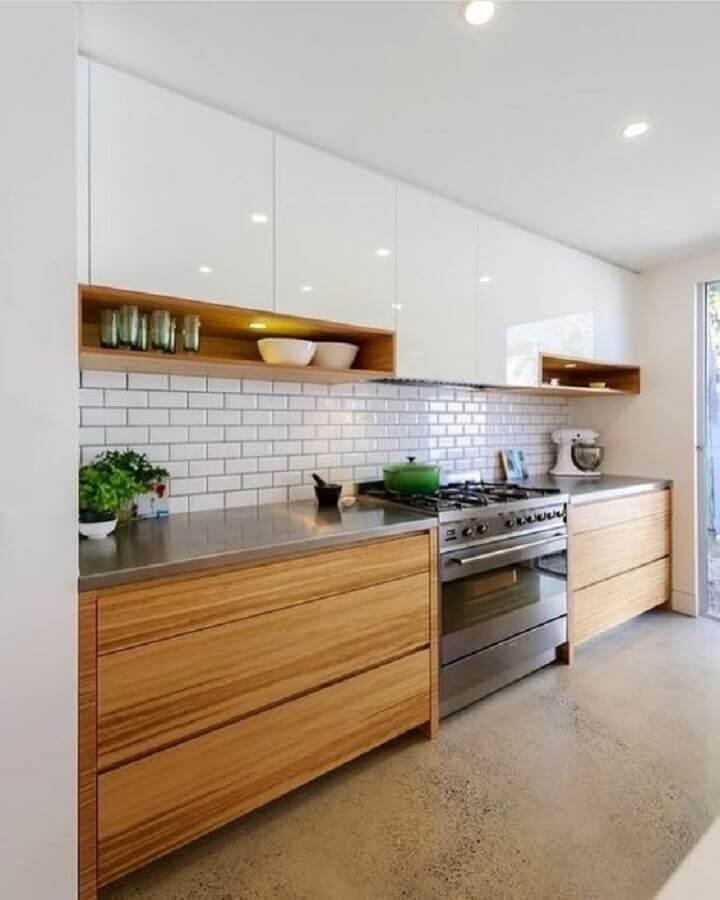bancada de inox para armário de cozinha branco com madeira Foto Ideias Decor