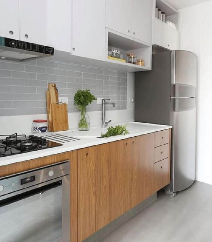 bancada para cozinha pequena com armários planejados Foto Pinterest