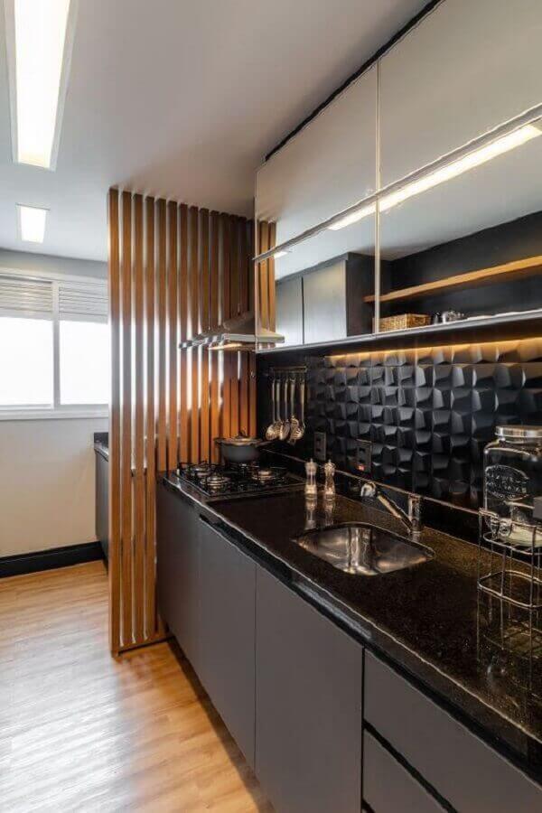 bancada para cozinha pequena preta com revestimento 3d Foto Apartment Therapy