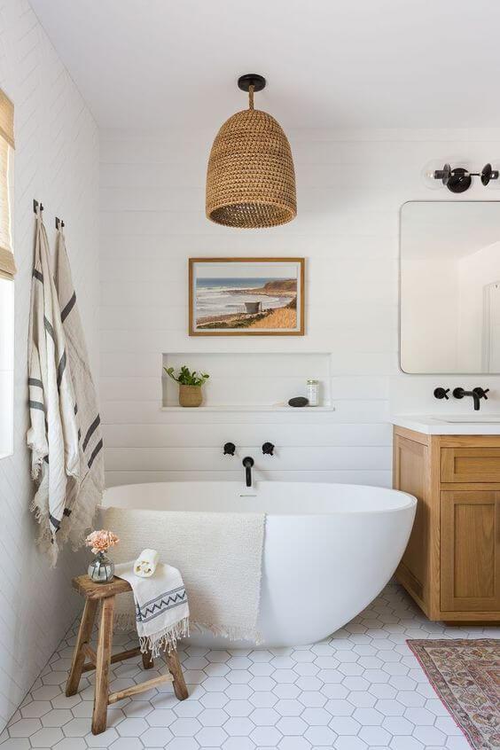Banheiro com decoração boho chic