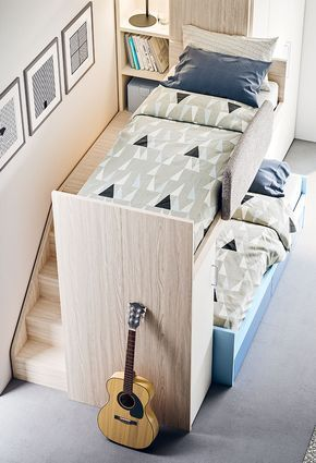 Beliche planejada com estante para quarto pequeno