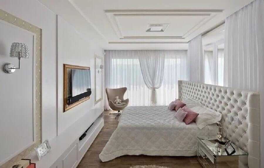 cabeceira de cama de casal capitonê para quarto branco sofisticado Foto Espaço do Traço Arquitetura