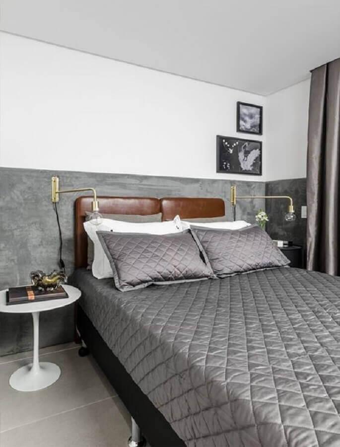 cabeceira estofada de couro para decoração de quarto cinza e branco Foto Archtrends