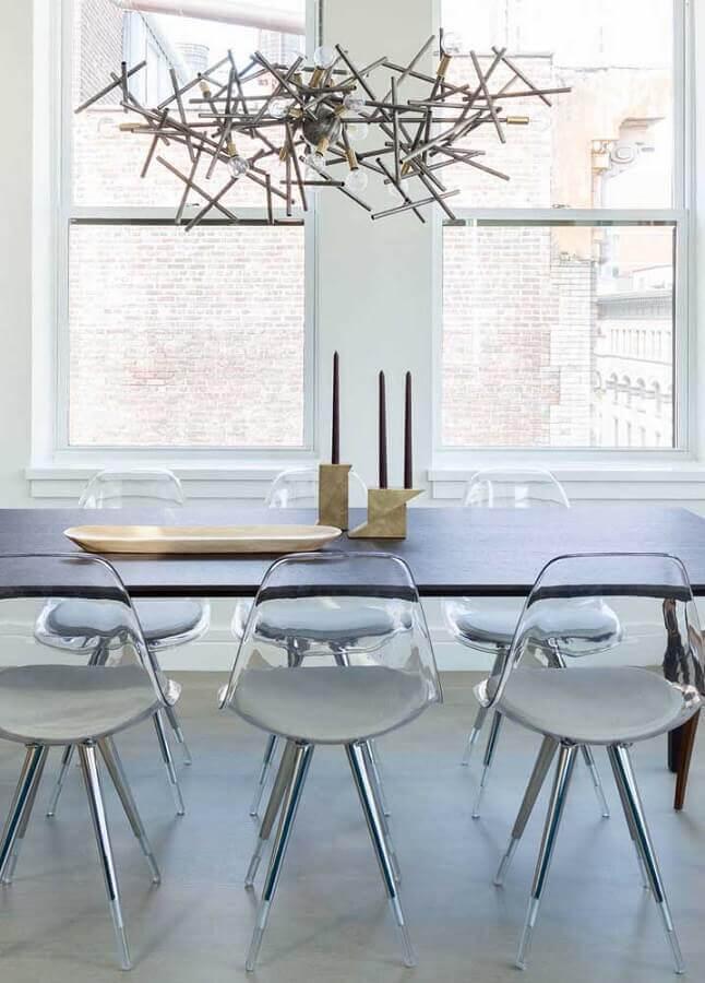 cadeira eames transparente para sala de jantar minimalista Foto Pinterest