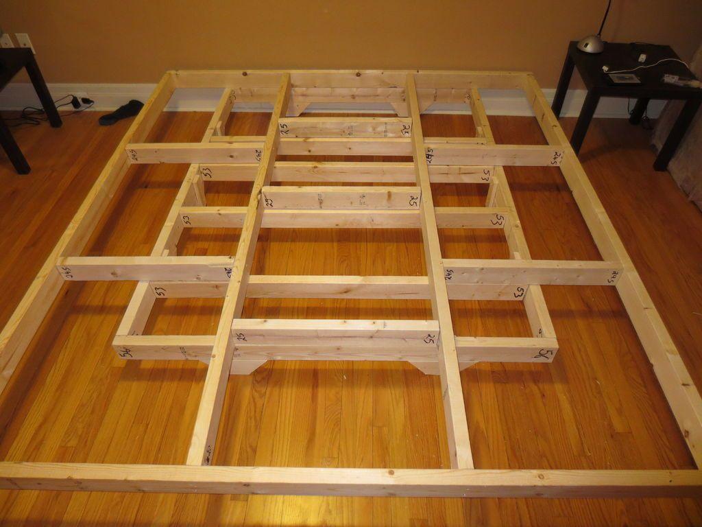 Estrutura de cama flutuante