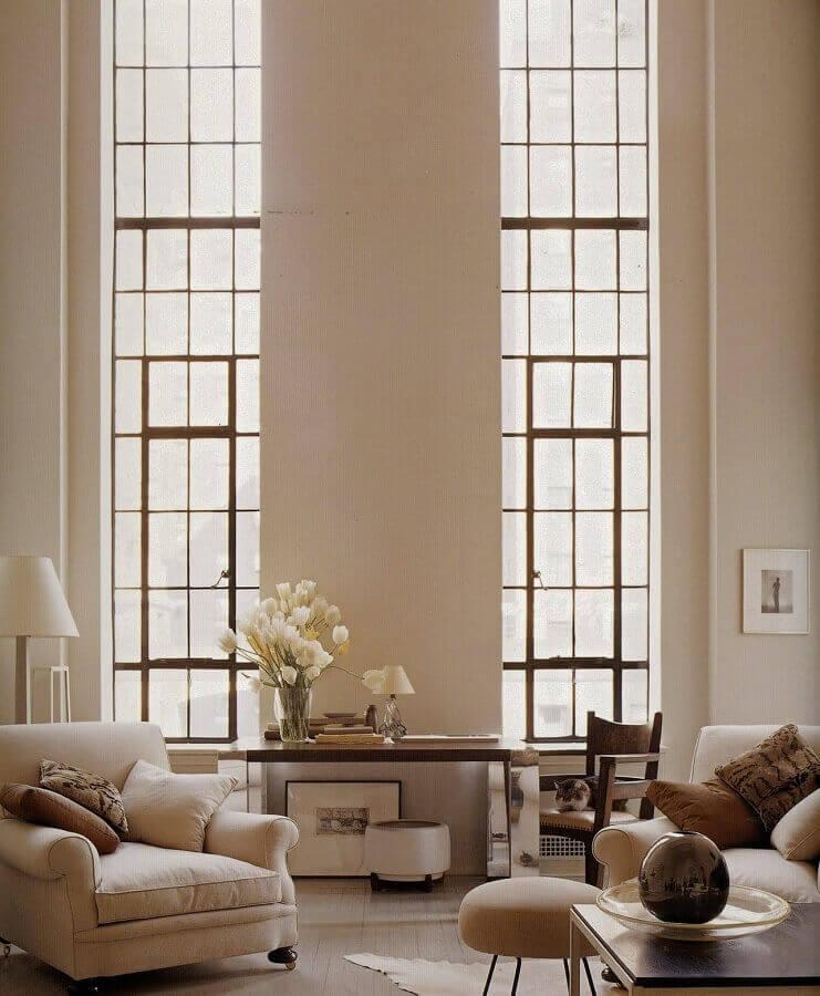 cor nude para parede de casa sofisticada com pé direito alto Foto Futurist Architecture