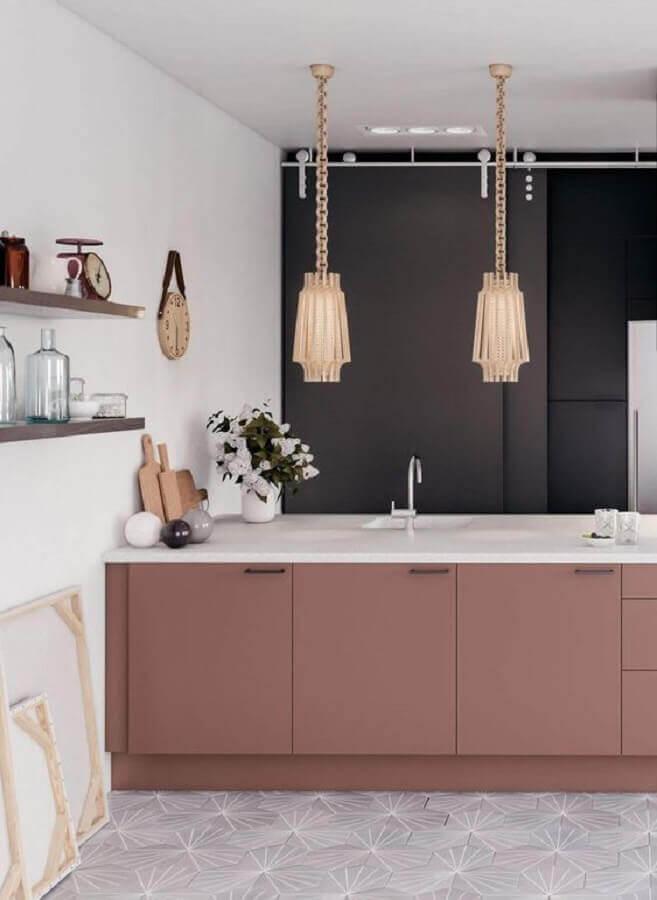 cor rosa antigo para ilha de cozinha preta e branca Foto Decostore