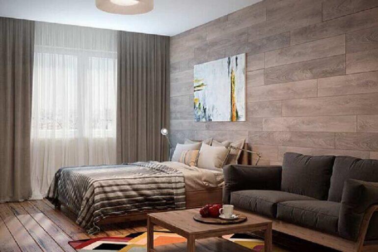 decoração com revestimento de madeira e cortinas para quarto com blecaute e voil Foto Apartment Therapy