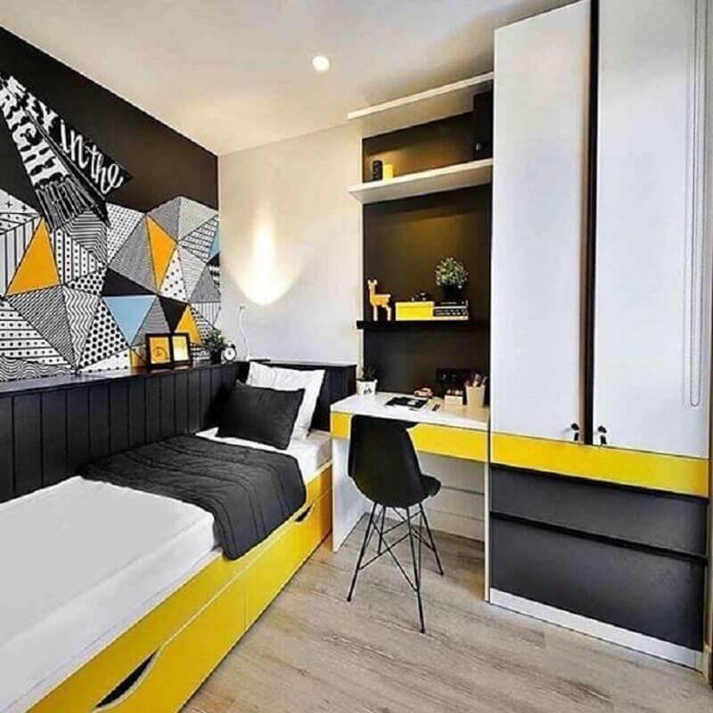 decoração de quarto de adolescente masculino planejado branco preto e amarelo Foto Renda Helin Design & Interiores
