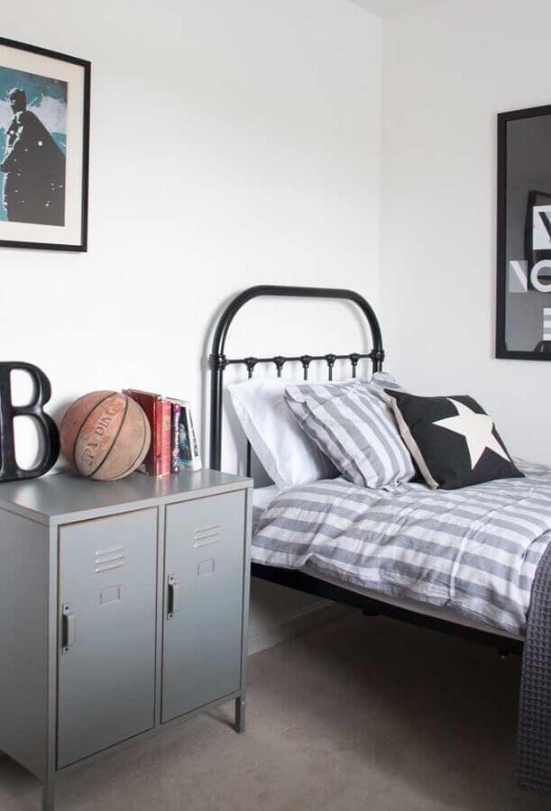 decoração de quarto de adolescente masculino simples com cama de ferro Foto Home Fashion Trend